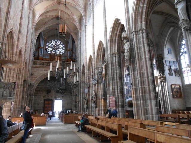 Интерьер Церкви Святого Лоренса