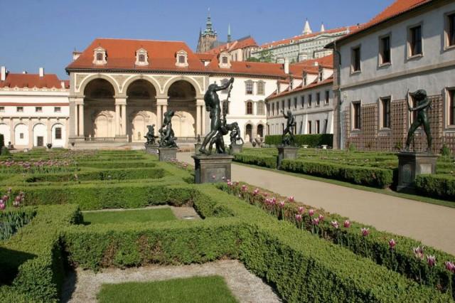 Валленштейнский дворец в Праге (Valdštejnský palác)