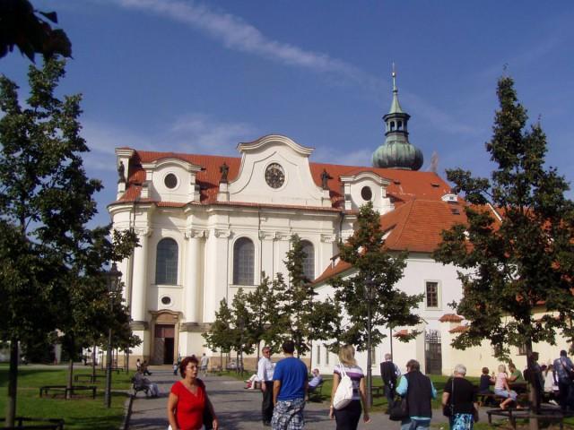 Бржевновский монастырь (Břevnovský klášter)