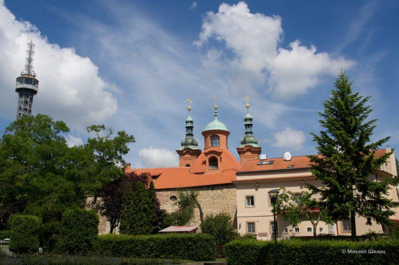Церковь Святого Лаврентия и Голодная стена