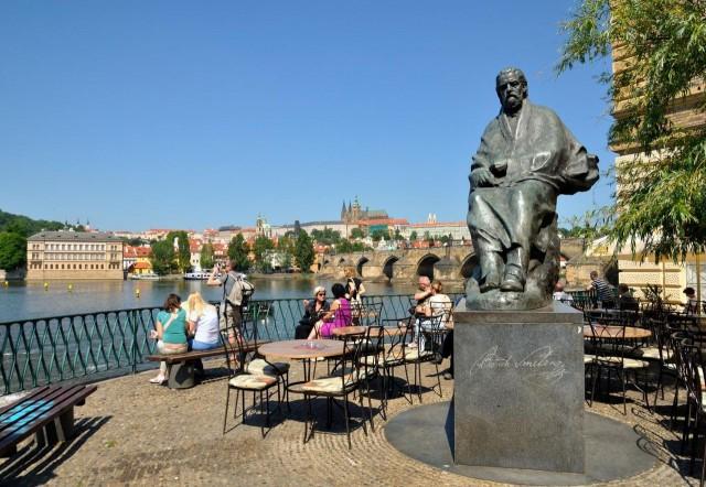 Памятник Бедржиху Сметане в Праге
