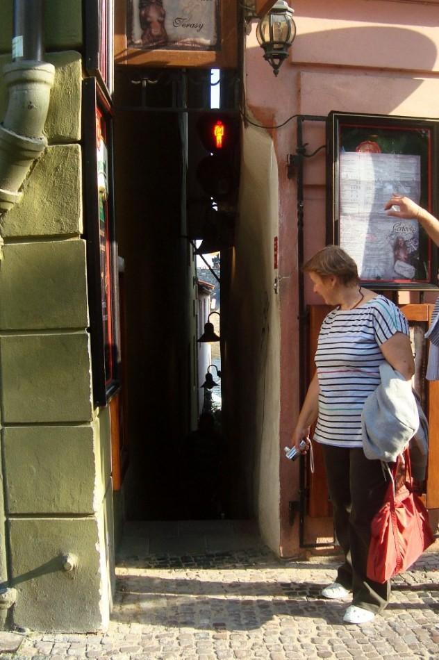 Прага. Пропусти пешехода
