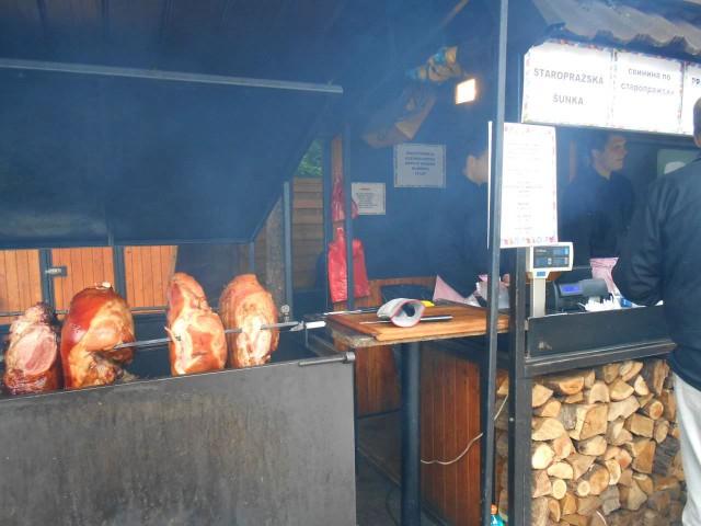 А в Праге все как обычно. Свинина по-старочешски на Староместской самая лучшая!