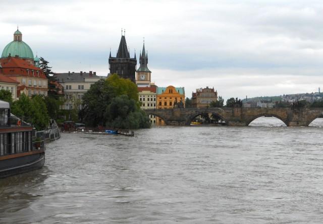 Вид на Карлов Мост