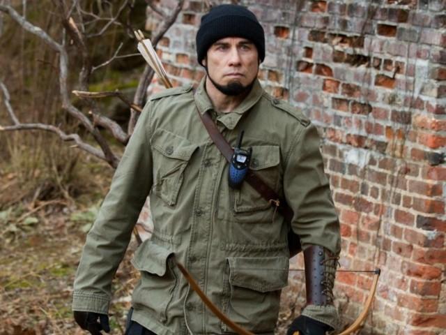 Траволта представит свою новую актерскую работу Killing season («Шрапнель») о ветеранах войны в Боснии, так же его ожидает вручение национальной премии Карловарского кинофестиваля «За вклад в мировое киноискусство»