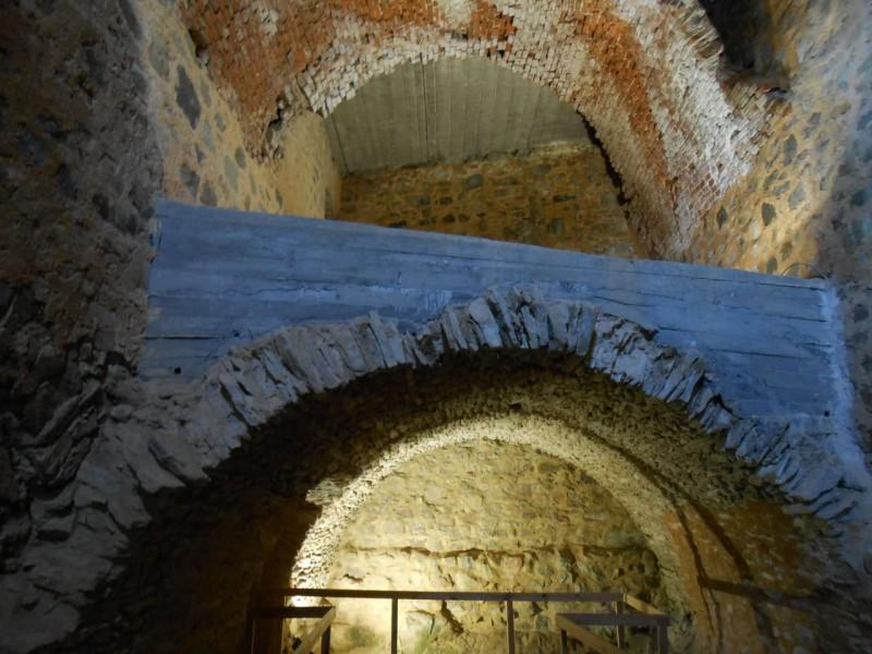 Подвалы замка