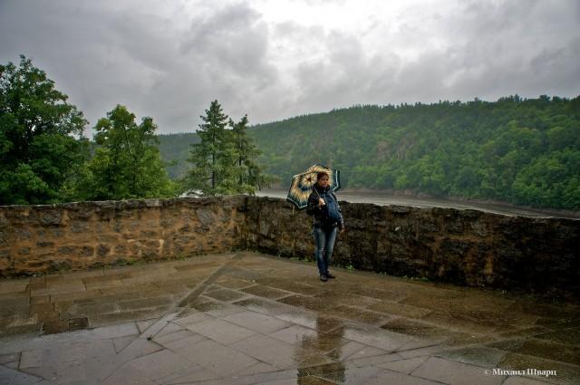 Суровая погода в тот день была.