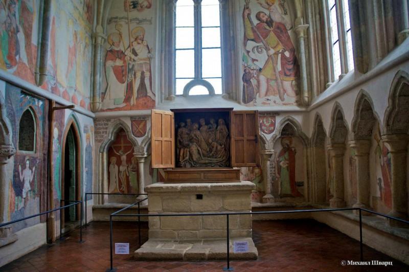 Часовня св. Вацлава с настенной росписью XV в. и резным алтарём XVI в.