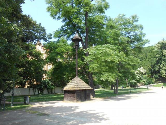 Деревянная звонница