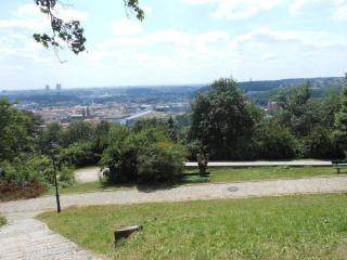 Сад Кинских, прогулка по Петршинскому холму