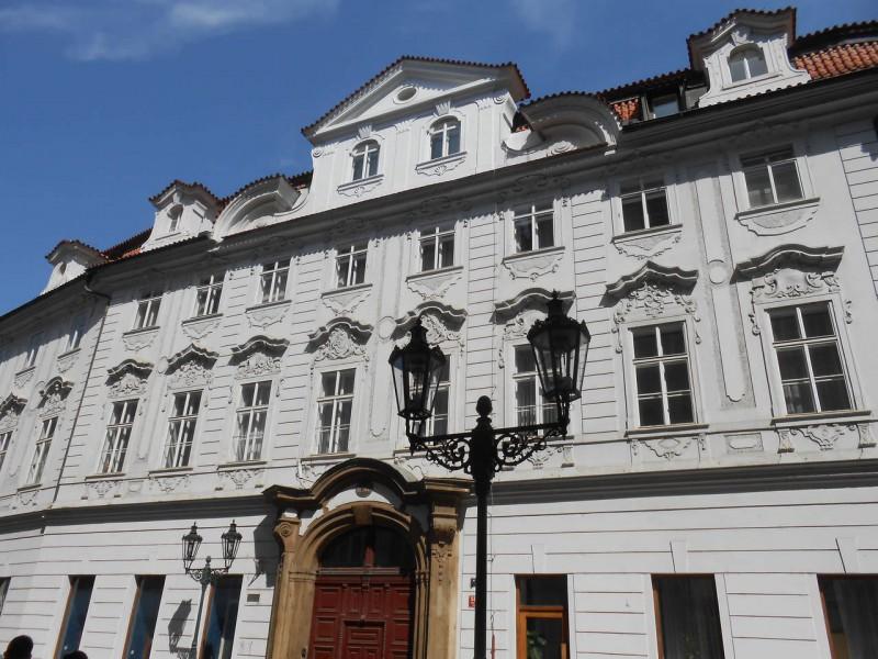 Входной портал дворца