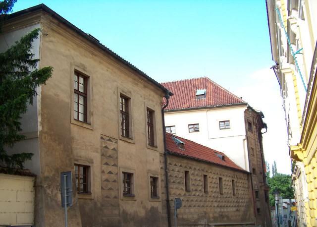 Михнов дворец  со стороны улицы Všehrdova