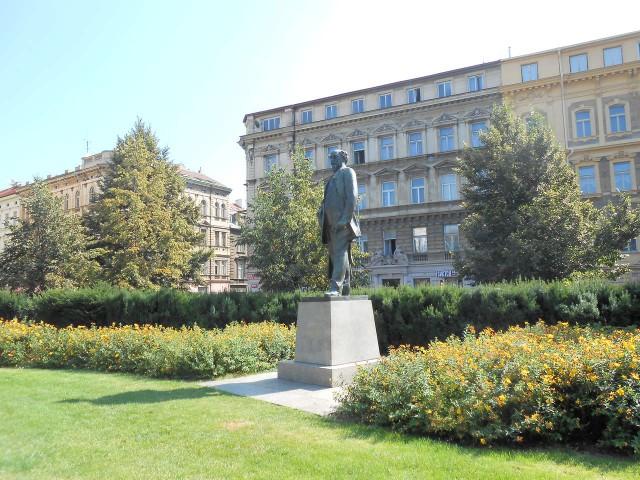 Памятник Якубу Арбесу