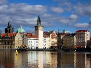 Набережные Праги на правом берегу Влтавы