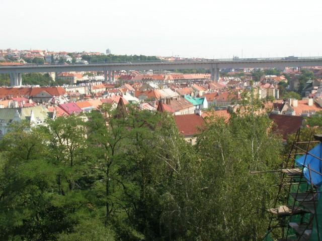 Вид на город со стен Вышеграда