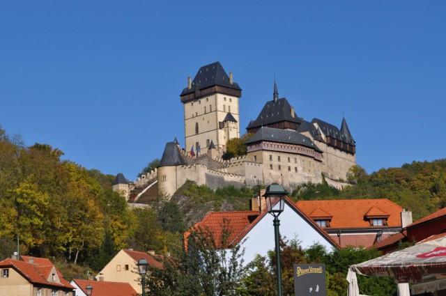 Замок и деревушка Карлштейн