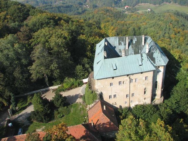 Замок Гоуска (hrad Houska)
