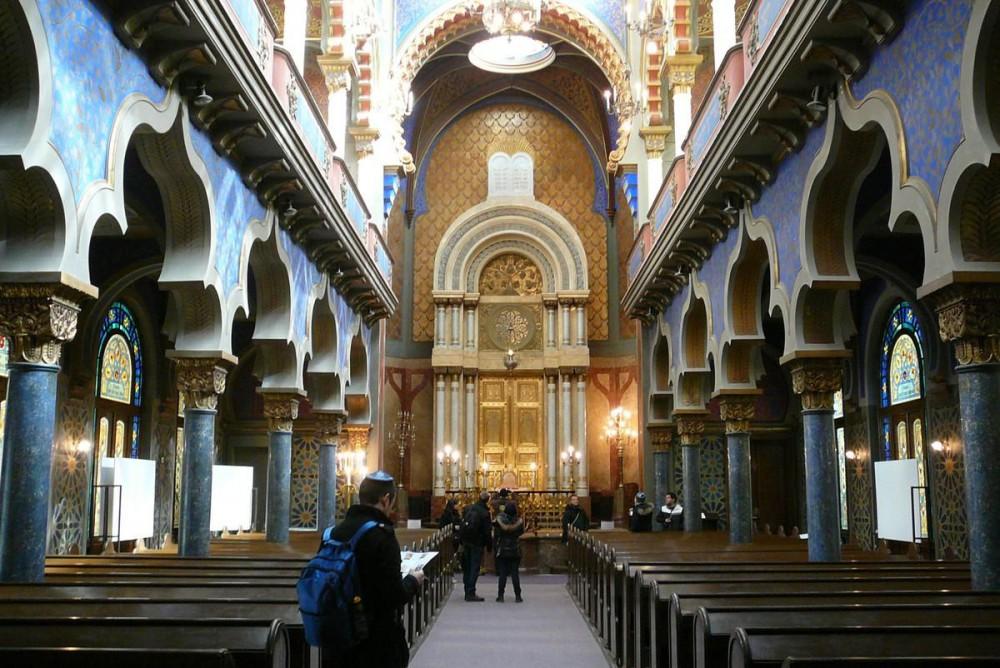 Интерьер Иерусалимской синагоги