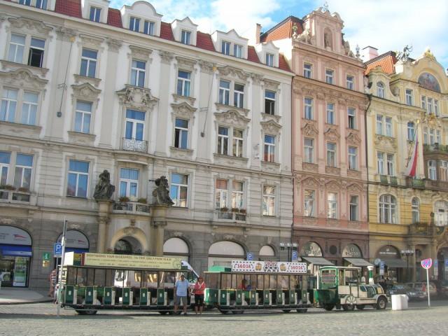 Турпоезд на Староместской площади