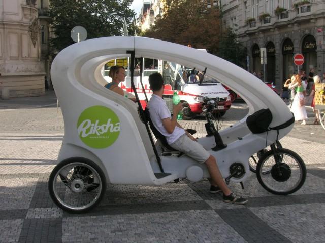 Велорикша на Староместской площади