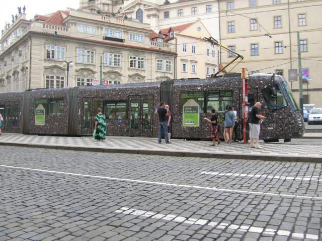 Трамвай на Малостранской площади
