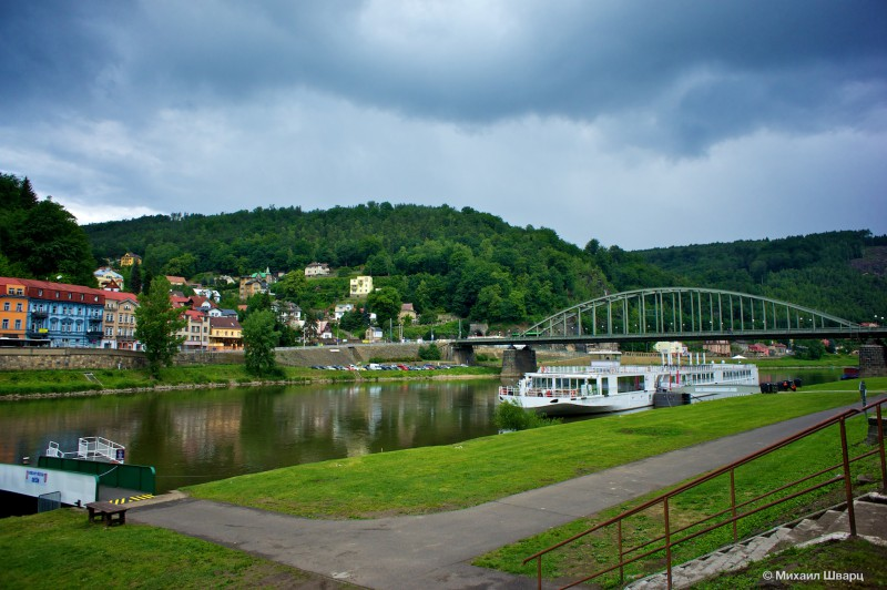 Город на берегу реки Лабы