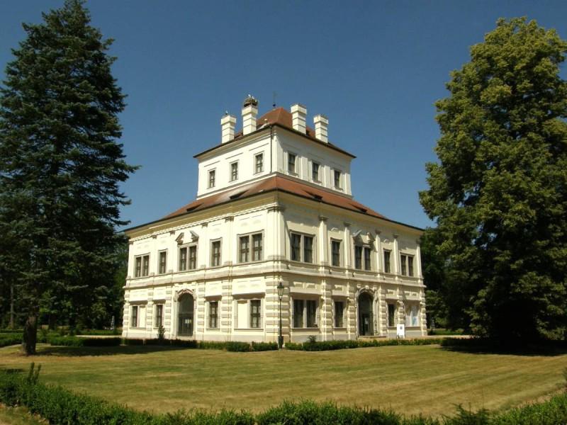 Летний дворец (Letohrádek)