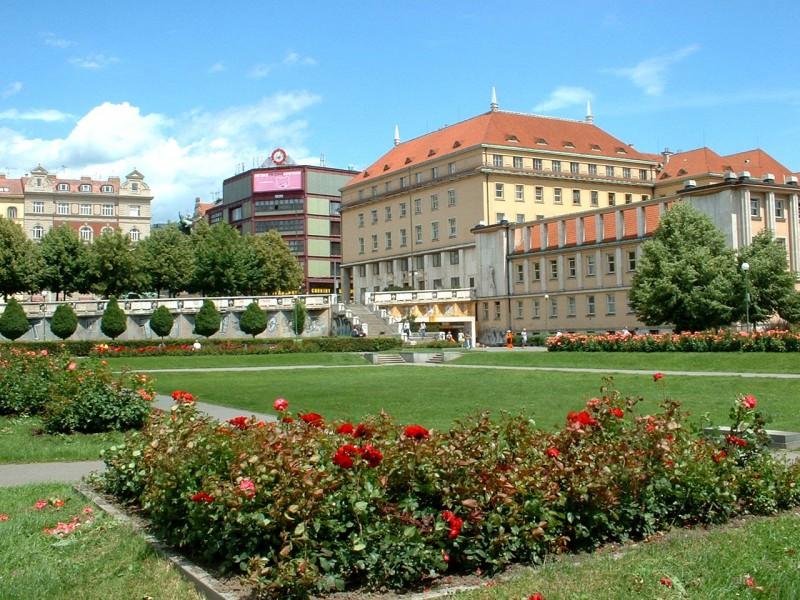 Площадь Палацкого (Palackého náměstí)