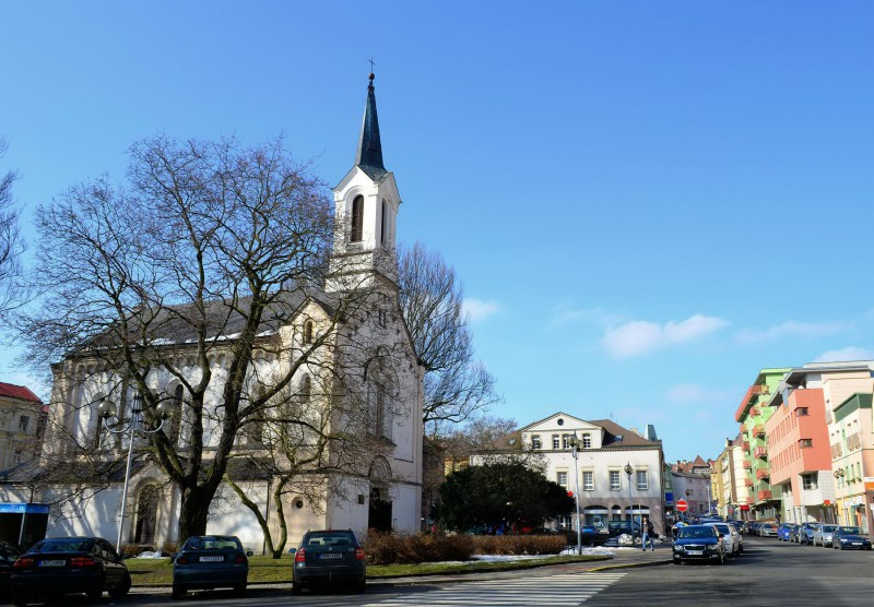 Церковь св. Франциска Ассизского (Kostel svatého Františka Serafínského)