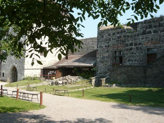 Замок Кунетицка Гора (Hrad Kunětická hora)