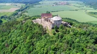 Средневековый замок Точник