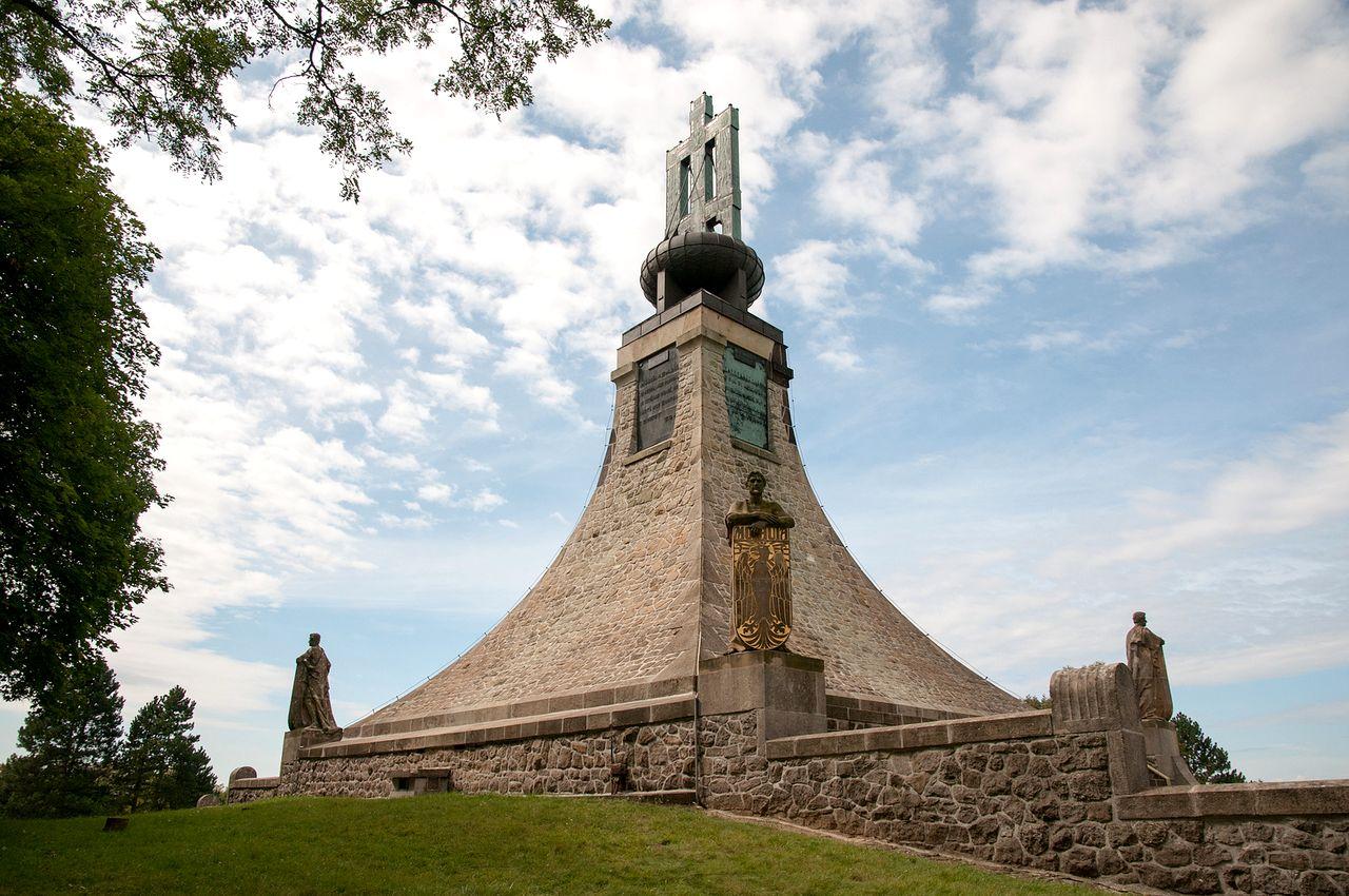 Курган мира. Памятник павшим под Аустерлицем