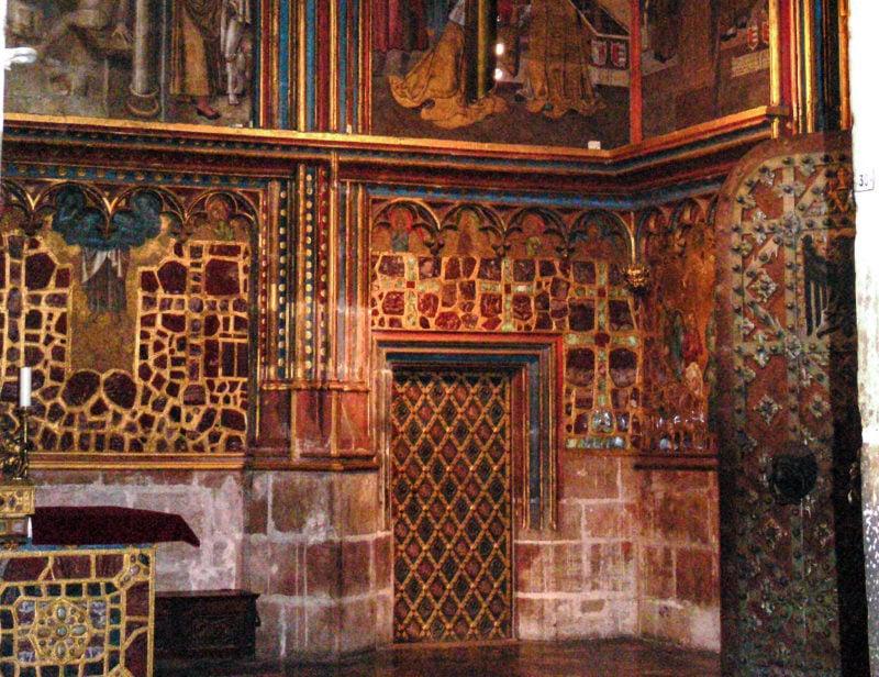 Дверь в комнату, где хранятся чешские коронационные регалии
