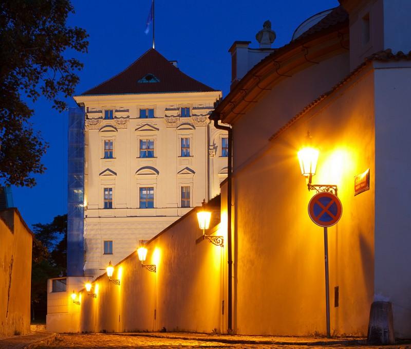 Чернинская улочка (Černínská)