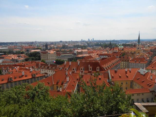 Прага - город красных черепичных крыш