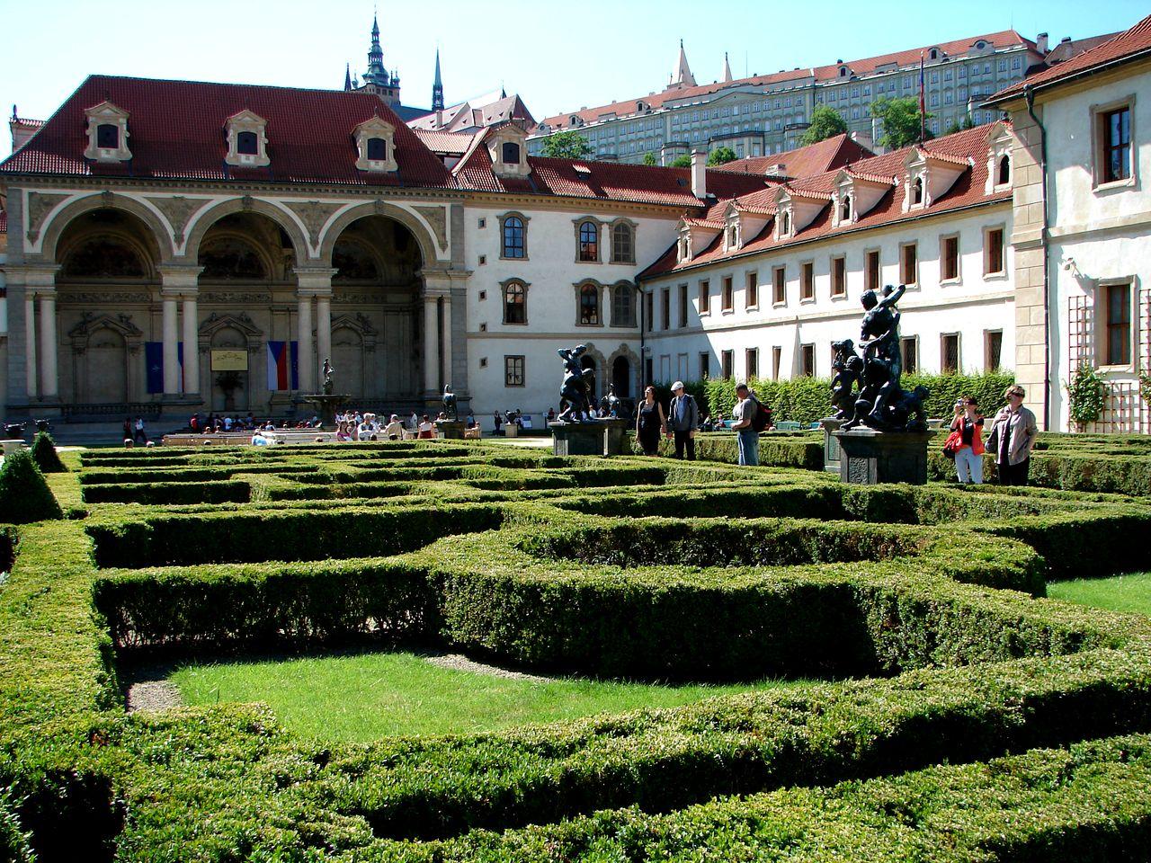 Вальдштейнский дворец в праге