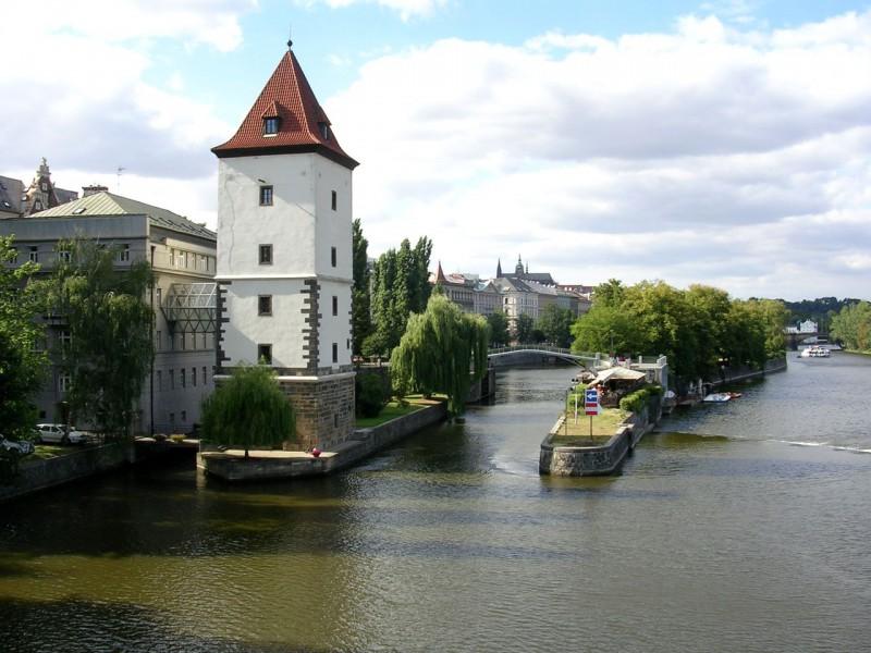 Малостранская водонапорная башня (Malostranská vodárenská věž)