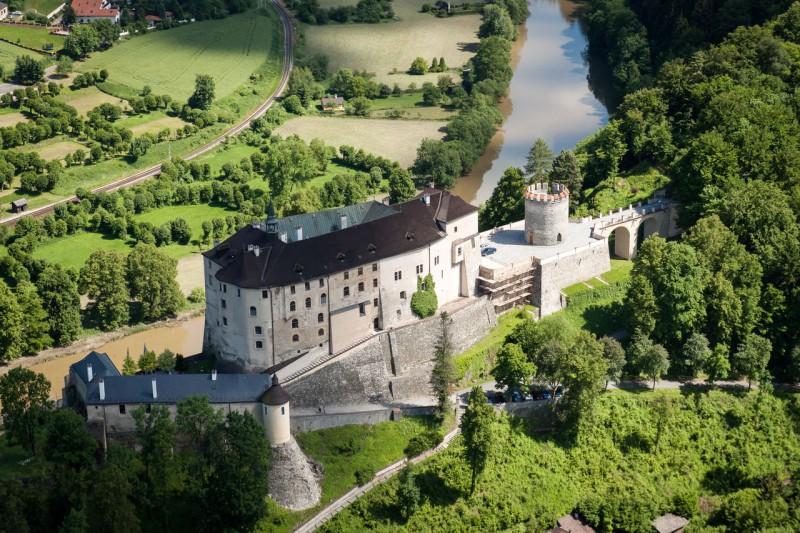 Замок Чешский Штернберк (Český Šternberk)