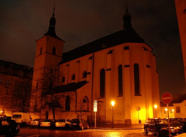 Церковь св.  Гаштала ночью