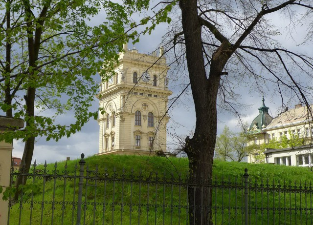Виноградская водонапорная башня (Vinohradská vodárenská věž)