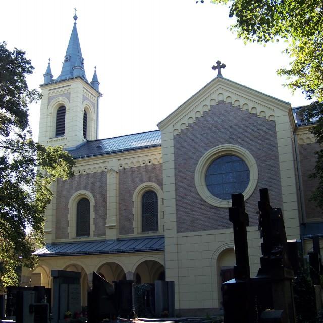 Церковь на кладбище  Мальвазинки