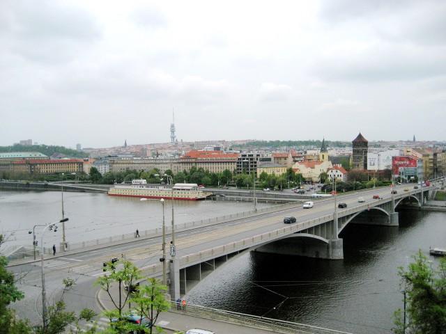 Вид на Штефаников мост со стороны Летенских садов