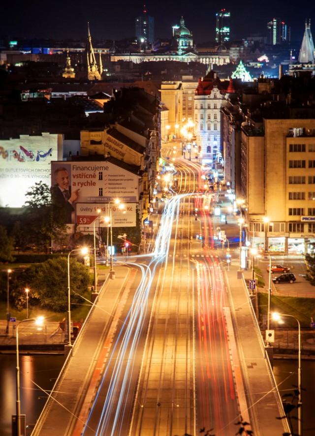 Мост Штефаника ночью