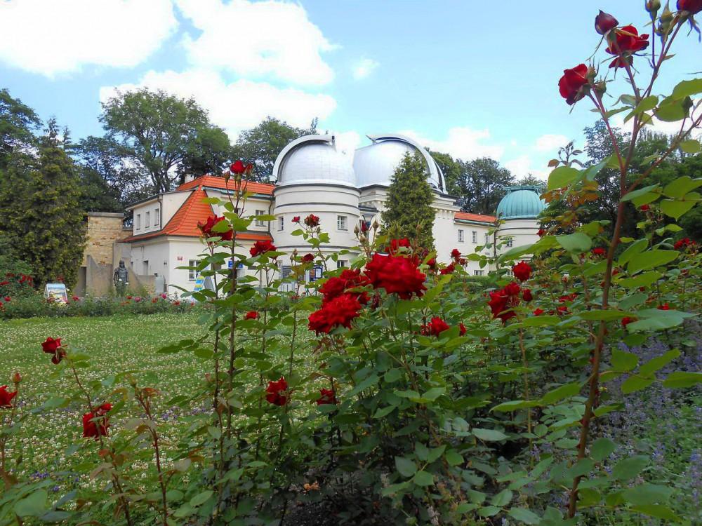 Весна. Обсерватория Штефаника