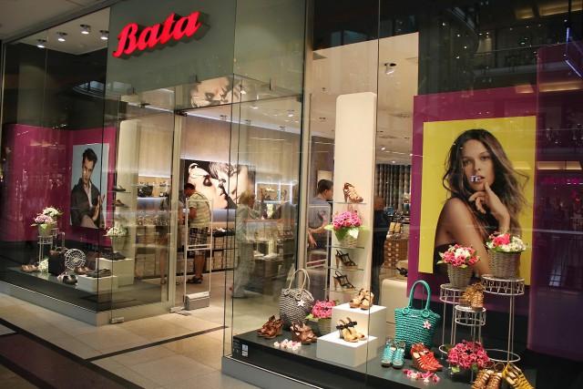 Витрина магазина Bata