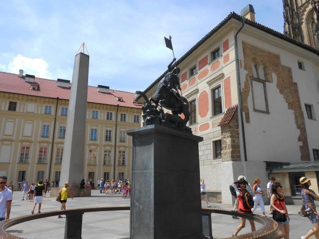 Старый дом пробстов  в III внутреннем дворе Пражского града