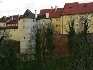 Белая башня (Новая) на Золотой улочке