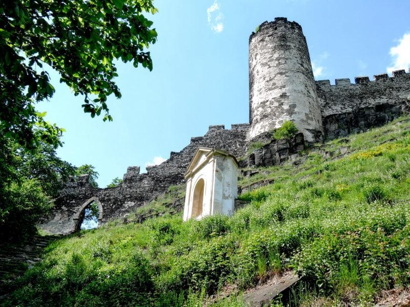 Часть Крестного пути на замок