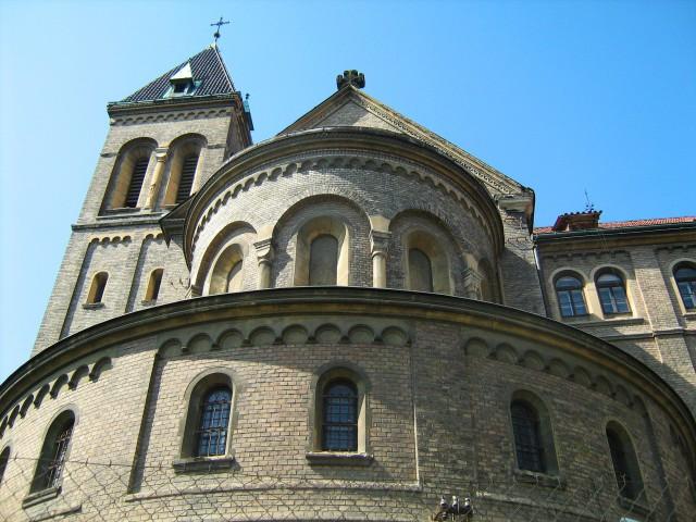 Костел святого Габриэла в Смихове