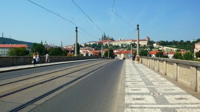 Панорама Пражского града с  Манесова моста